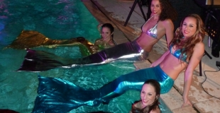 sirène aquatique nageuse