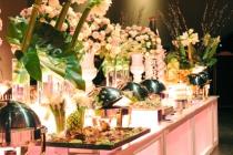 Location buffet lumineux - Décoration florale