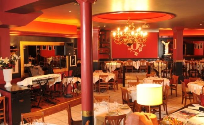 salle de restaurant louer sur paris salles mariage et v nements d 39 entreprise par les. Black Bedroom Furniture Sets. Home Design Ideas
