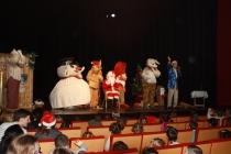 8 personnes sur scène