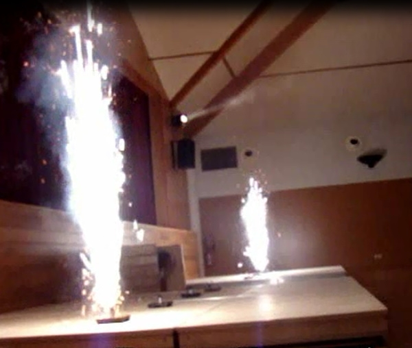 feu d 39 artifice int rieur feux d 39 artifices et pyrotechnie On feu d artifice interieur