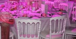 Louer des chaises type Napoléon blanches ou rouges pour un mariage