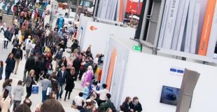 Création d'un stand d'exposition sur mesure pour un salon professionnel