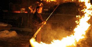 Organiser un spectacle de feu et de lumière pour un marché de Noël