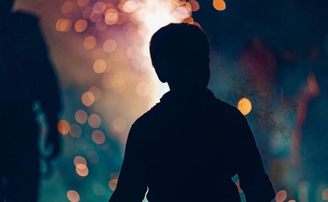 Artifices et fumigènes en évènement privé : comment gérer soi-même ?