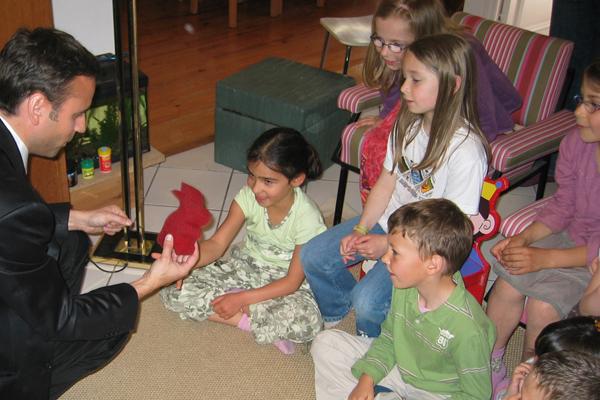 tarif magicien sculpteur de ballons pour anniversaire d 39 enfants domicile. Black Bedroom Furniture Sets. Home Design Ideas