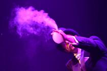 Greg, souffleur de bulles