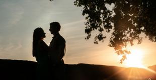 Séance couple à Toulouse au coucher de soleil